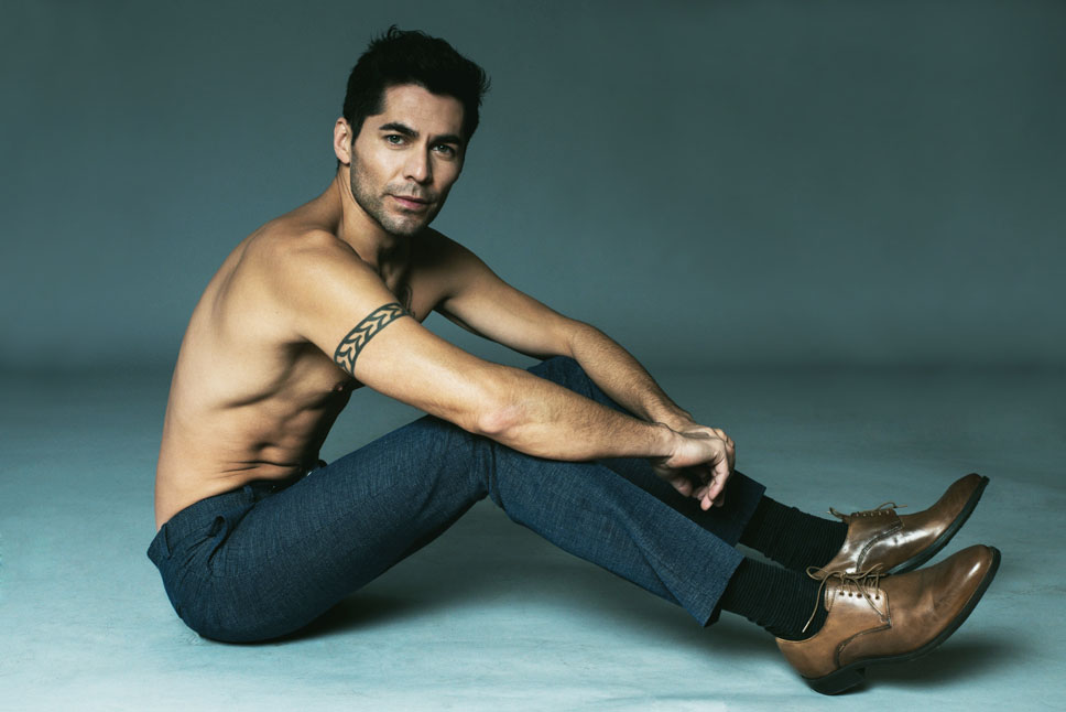 Peter Hernandez fashion model on camera actor single grid slide 13