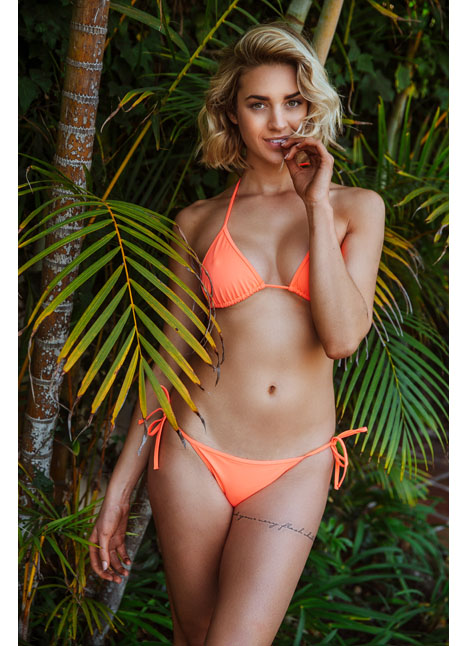 Allie Ayers fashion plus curve model kim dawson agency single grid slide 5